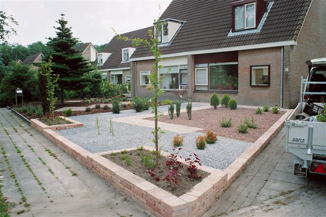 Ren roffel hoveniers voor tuin aanleg ontwerp en onderhoud - Geplaveid voor allee tuin ...